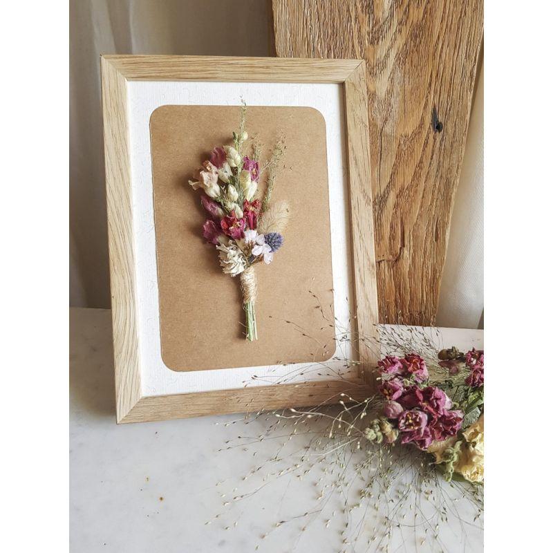 Petit bouquet encadré de fleurs séchées Décoration florale