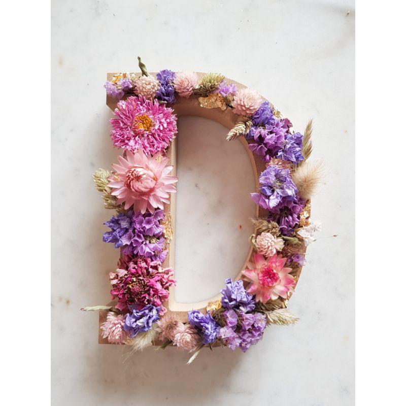 Lettre en fleurs séchées D Lettre fleurie